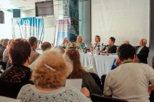 f41r0VpGYNA 300x200 - 15 – 16 сентября 2018 состоялся XI Международный конгресс «Комплементарная Медицина и наука – настоящее и будущее России»